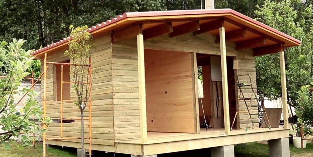 pintar una casa de madera
